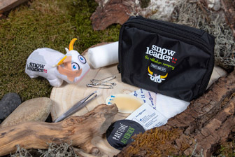 Snowleader gift: First Aid Kit