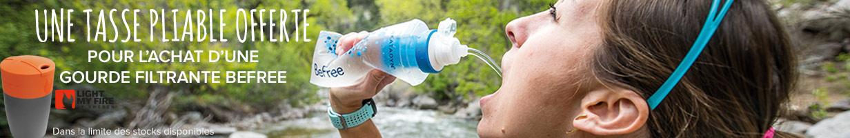une tasse pliable offerte pour l'achat d'un filtre Katadyn